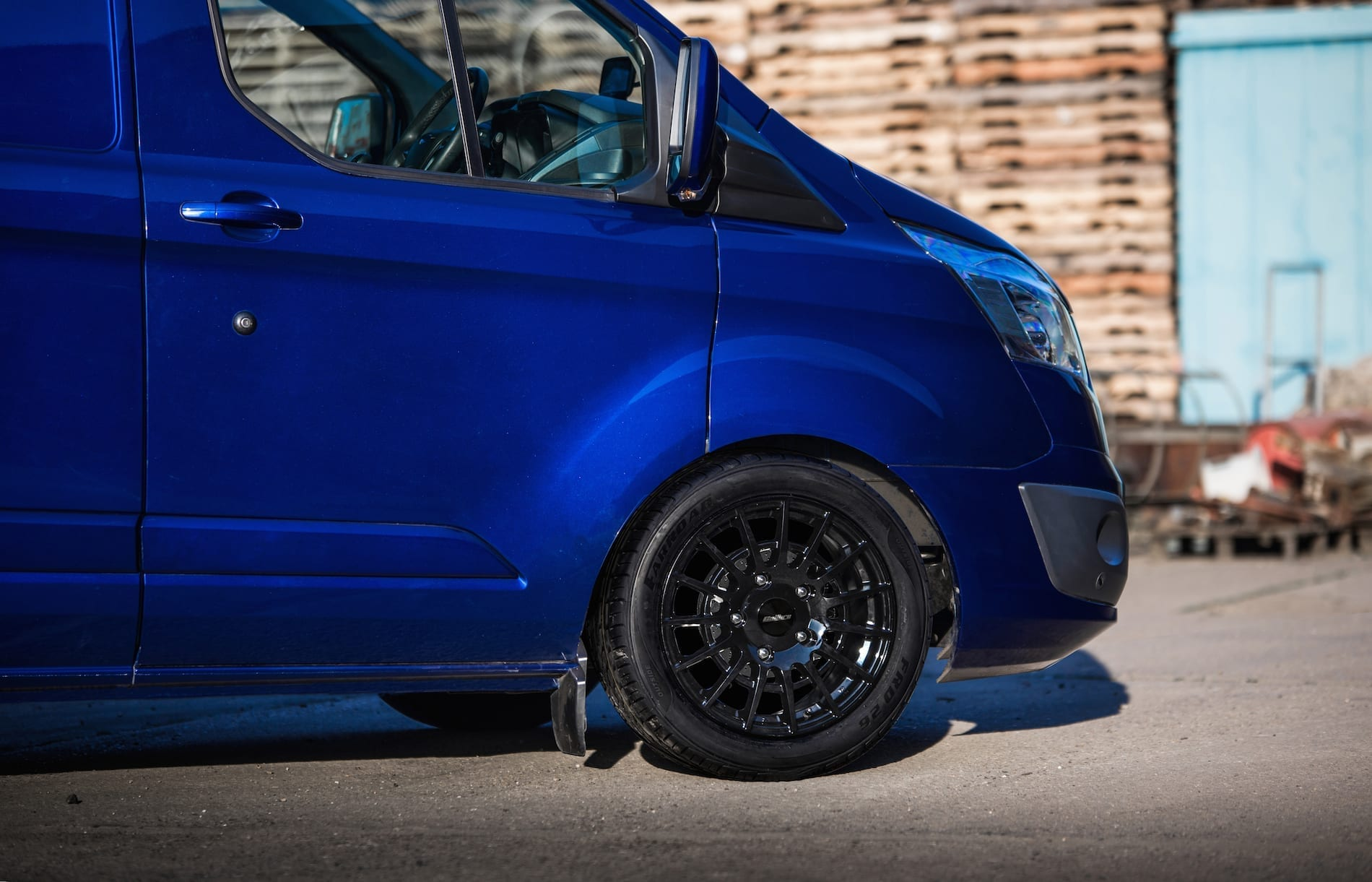 Calibre T-Sport Van Alloy Wheel for Ford Transit Custom